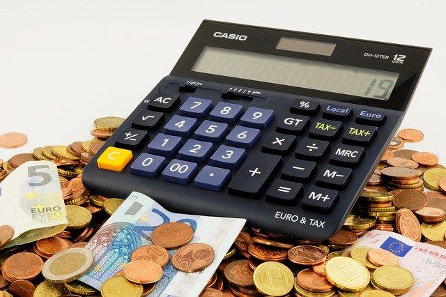 Czy warto korzystać z usług doradców kredytowych?